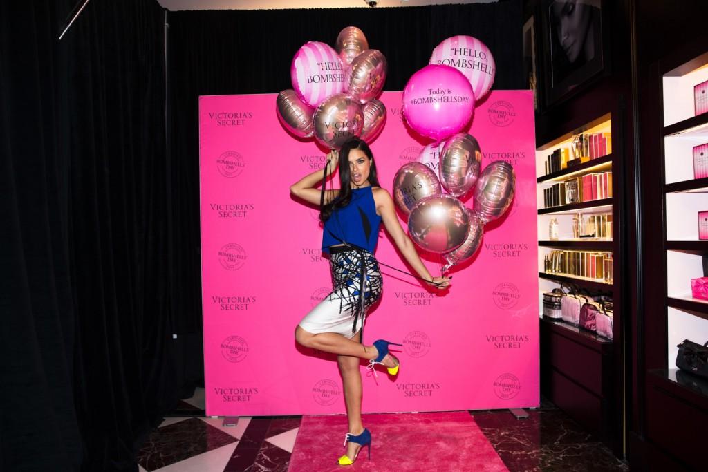 lingerie-bombshells-day-2015-adriana-lima-hello-vegas-store-event-victorias-secret-hi-res-1024x683