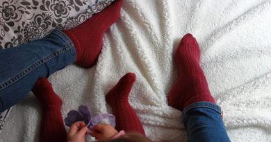 Calze uguali mamma e figlia
